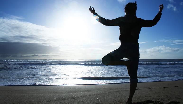 yoga-sulla-spiaggia